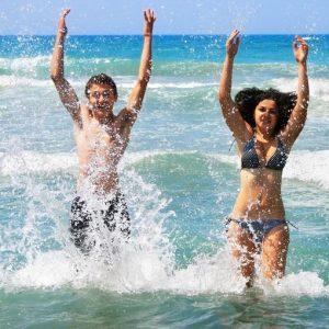 אהבה בחוף מציצים